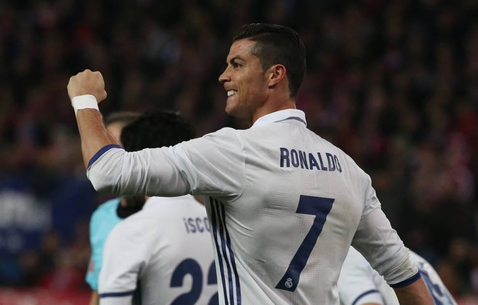 Cristiano celebrando el hat-trick contra el Atléti. Foto vía El Pais