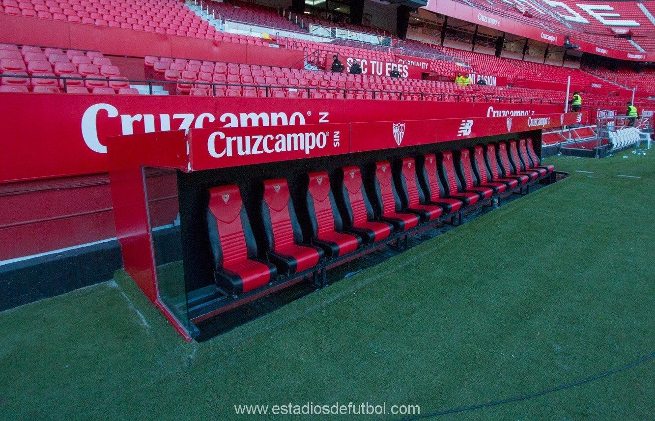 Banquillo Sánchez Pizjuán, vía estadiosdefutbol.com