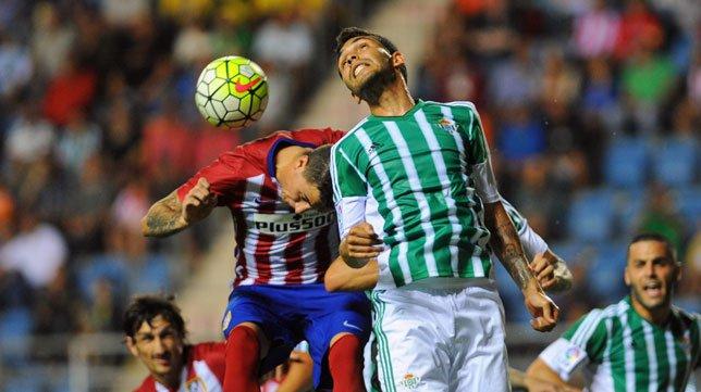 Imagen del choque en la temporada pasada. fuente: Abc Sevilla.