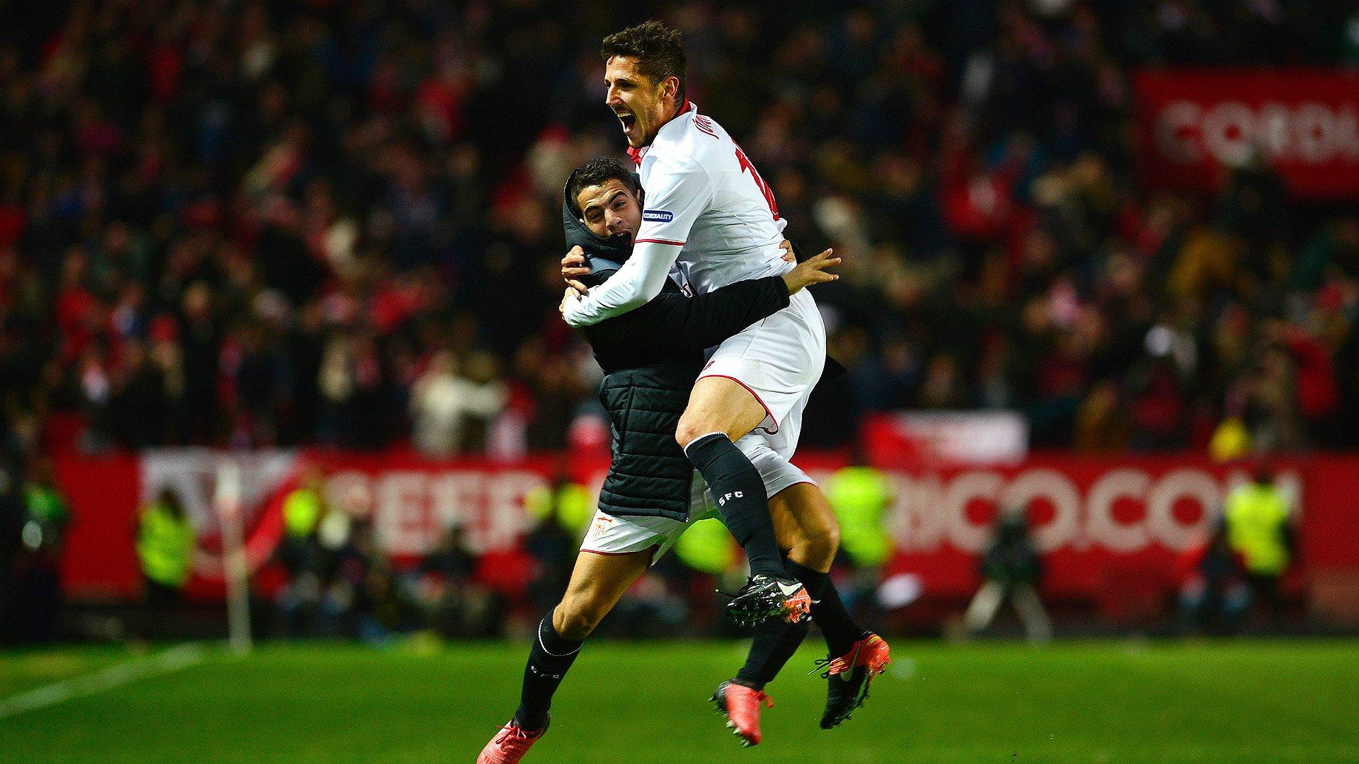 Jovetic celebranso su gol con Ben Yedder vía goal.com