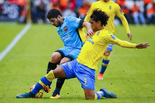 Mauricio Lemos frente a Luis Suárez