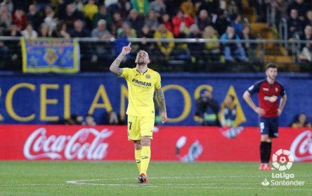 Alcácer celebra un gol con el Villarreal