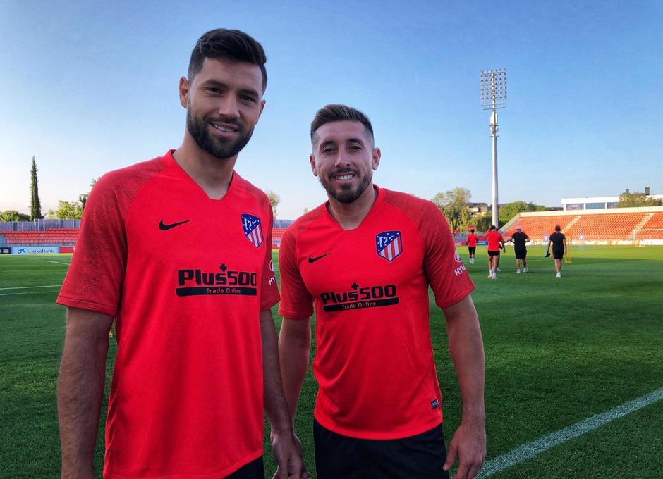 Felipe y Herrera posan tras un entrenamiento