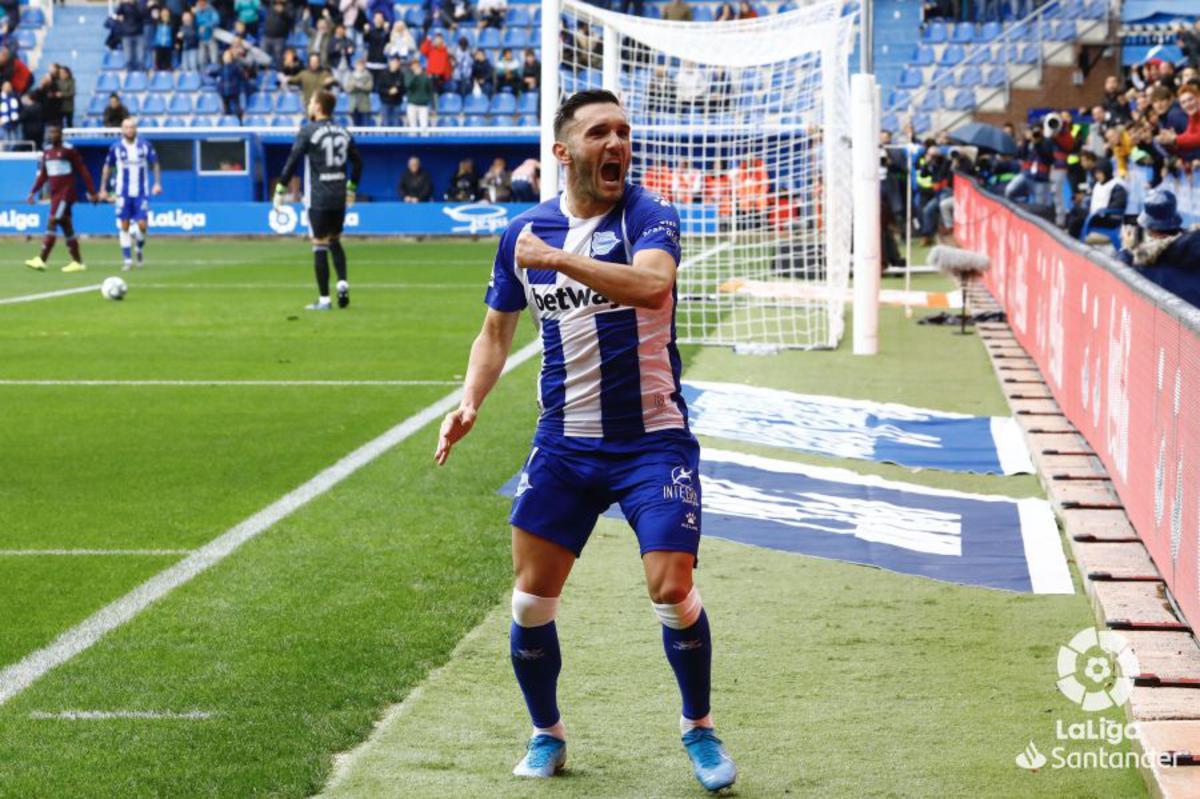 Lucas Pérez celebrando un gol