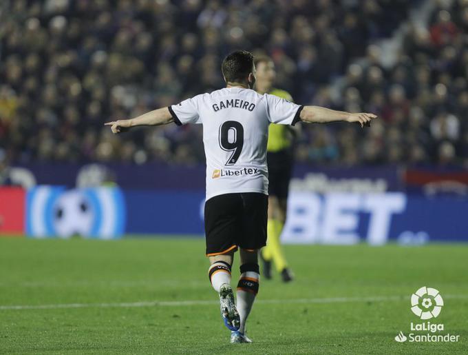 Gameiro celebra un gol