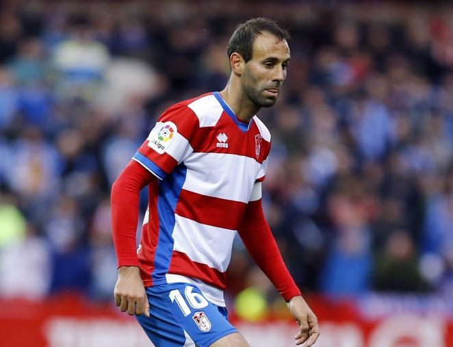 Víctor Díaz durante un partido con el Granada