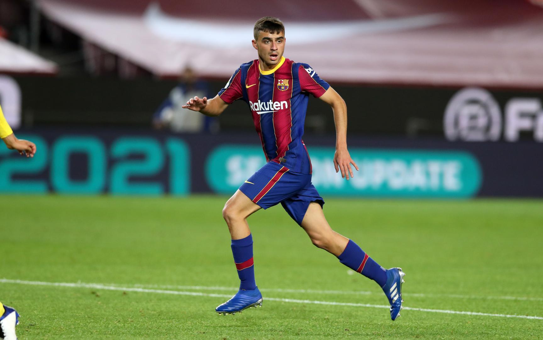 Pedri en uno de sus encuentros con el FC Barcelona