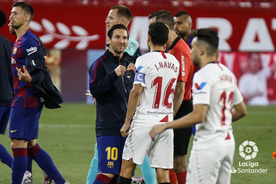 Navas y Messi se saludan