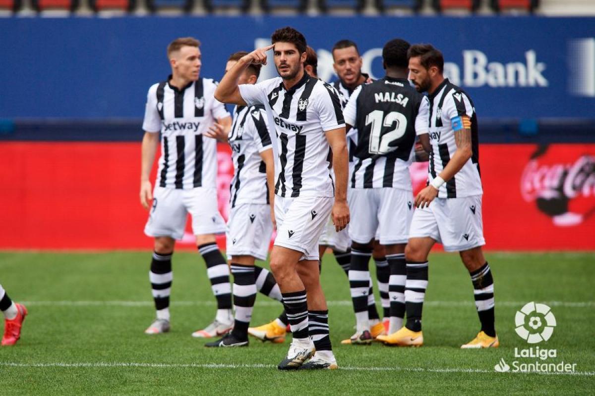 Melero celebra un gol