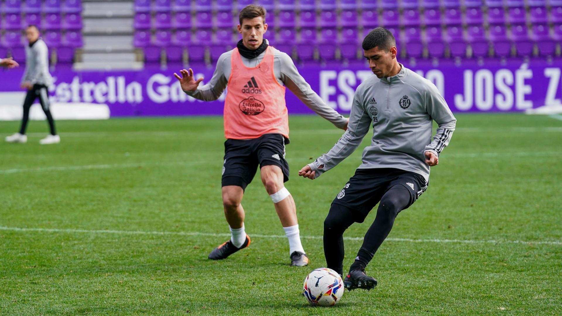 Olaza entrenando con el Valladolid