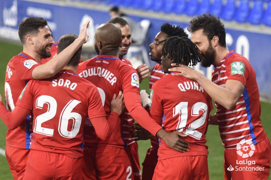 Domingos Quina celebra su gol