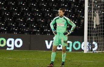 Bettinelli en la portería del Fulham