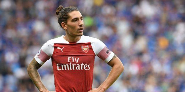 Héctor Bellerín, recuperado de su lesión con el Arsenal