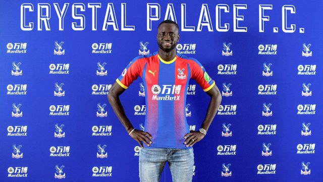 Kouyaté, durante su presentación con el Crystal Palace