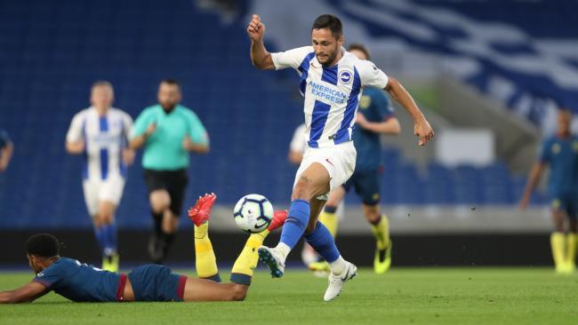 Florin Andone, durante un partido con el Brighton