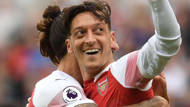 Mesut Özil vuelve a ser grande en Biwenger