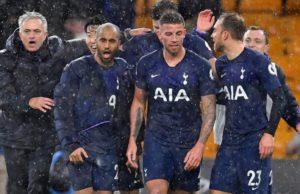 Mourinho, celebrando una victoria con sus jugadores